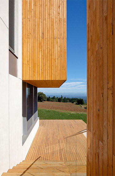 photo of a side deck leading to other parts of the exterior of the Karuna House, Portland Oregon