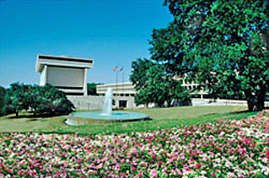 Exterior photo of LBJohnson Library and Museum, Austin TX